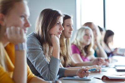 how does a traineeship work
